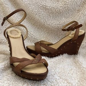 UGG Ankle Strap Wedge Sandals  7 1/2 Adorable!